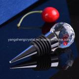 純粋な透過水晶によって彫面を切り出される球のワイン・ボトルストッパー