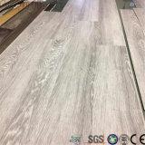 Pavimentazione antisdrucciolevole impermeabile chiudente rinforzata facile del vinile di Spc