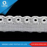 白い綿織物の刺繍のレース、綿の刺繍Tcのレース