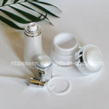 Bouteille crème acrylique neuve blanche/d'argent choc de lotion pour les produits de beauté (PPC-NEW-108)