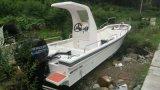 Imbarcazione da pesca in vetroresina con grumdrop