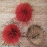 Sfere/POM Poms della pelliccia del Raccoon del commercio all'ingrosso 9cm per il Beanie
