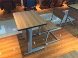 Kursteilnehmer-Schreibtische und Stuhl-Doppelsitz