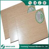 Categoría E0 de núcleo de madera dura cara de la melamina, madera contrachapada ecológica
