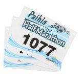 Raza de papel corriente modificada para requisitos particulares del maratón numerada baberos