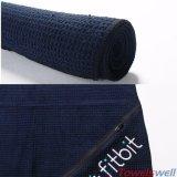 Microfiberの刺繍されたワッフルはジッパーのポケットが付いているタオルを遊ばす