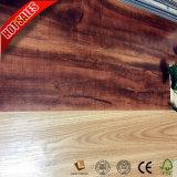 Preiswertes Preis-Eichen-Österreicher-Laminat Kurbelgehäuse-Belüftung, das 2mm ausbreitet