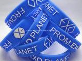 Regenbogen-SilikonWristbandkundenspezifischer Wristband billig