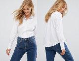 Camicia lunga del manicotto delle donne con la camicia del collare del basamento