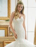 Robe de mariage à gradins sans bretelles gonflée de sirène de robe nuptiale de lacet Mrl2879