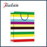 Cada serie del día de la bolsa de papel del regalo de las compras de la mano de las rayas
