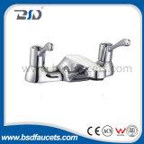 Заполнитель ванны рукоятки Faucet крана смесителя крома установленный палубой латунный