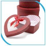 В форме сердечка бумаги конфеты подарочные коробки или установите флажок упаковки из картона с окна