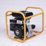 Vibrateur concret d'engine d'essence avec le plein bâti à l'extérieur