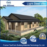 El bastidor de acero con aislamiento de la luz de una buena casa prefabricada