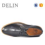 2018 la fábrica OEM Classic zapatos de cuero auténtico para hombres