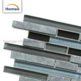 販売の灰色のBacksplashの熱い壁のガラス石はモザイクをタイルを張る