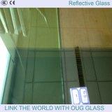 Escuro - vidro reflexivo azul no vidro de indicador