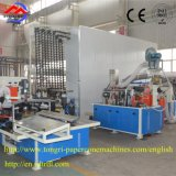 Cono del papel de la producción de la fábrica que forma la máquina después de la pieza de Finifhsing