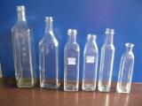 Leere unterschiedliche Form-und unterschiedliche Farben-Glasflaschen für Olivenöl