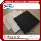 Différents types de tuile de plafond isolée par fibre de verre