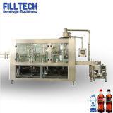Liquide de soude de boissons gazeuses automatique bouteille en plastique de l'eau de lavage machine de remplissage de plafonnement de l'emballage de l'embouteillage