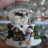 Polyresin Weihnachtsschnee-Kugel mit Weihnachtsbaum und Schneemann nach innen