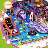 Livrar a área de jogo macia do campo de jogos interno dos miúdos do anúncio publicitário do projeto