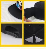 Os tijolos de brinquedos educativos personalizados a encaixar a tampa e Hat para crianças