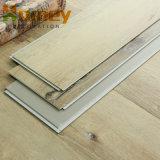 Una excelente relación precio calidad Haga clic en suelos de PVC/piso de vinilo