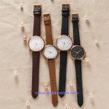 De Polshorloges van de Manier van het Horloge van het Kwarts van het Embleem van de douane voor de Dames van Mensen (wy-17010A)