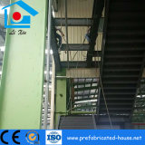 電流を通された床の金属のデッキが付いている鉄骨構造の中二階の床枠