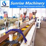 Le plastique PE PP PVC WPC Making Machine de production d'Extrusion de profil
