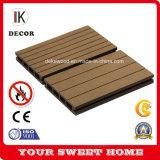 Bois de haute qualité en plein air en plastique WPC Composite Decking Flooring 135*24mm