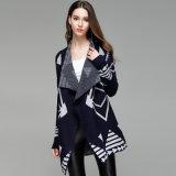 여자는 모양 짓는다 아크릴 뜨개질을 한 남서 겨울 숄 카디건 (YKY2106)를
