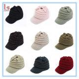 ヨーロッパの冬のアクリルの男女兼用のニットの帽子の暖かい帽子の帽子