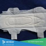生理用ナプキンのための通気性の機能および使い捨て可能な様式の木材パルプ