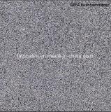 Bushhammered G654 серого гранита каменными плитками на полу,