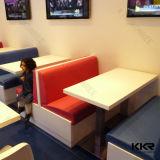 Moderner weißer kleiner Retaurant Kaffeetisch und Stuhl