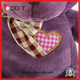 O costume faz a peluche do Valentim do urso da peluche carregar