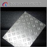 다이아몬드에 의하여 직류 전기를 통하는 Checkered 강철판