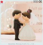 En Miniatura de resina de los Novios figura la decoración de boda regalos