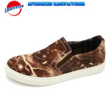 Les plus défuntes chaussures d'homme de couleur de modèle avec le textile estampé de foudre