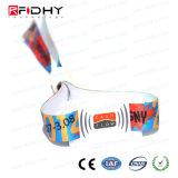 Braceletes tecidos RFID plásticos do evento do festival de matéria têxtil do poliéster do fechamento