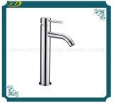 Robinet d'eau simple en laiton sanitaire de vente chaud de trou
