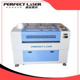 Máquina de grabado del laser del CO2 para la ropa del bordado de las marcas registradas
