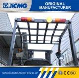 XCMGの3段階4.5mのマストが付いている熱い販売のIsuzuエンジン2.5tonのディーゼルフォークリフト