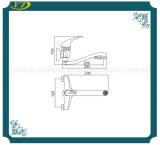 Qualitäts-doppelte Loch-an der Wand befestigter Zink-Griff-Badezimmer-Hahn