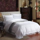 Biancheria da letto di lusso di bianco di raso di prezzi dell'hotel