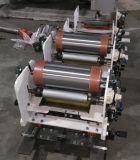 Una máquina portátil en línea de impresión flexográfica de color